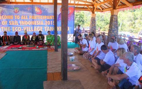 Mokole mengundang peserta Sail Indonesia2015 ke Baruga Utama -- photo@IQM